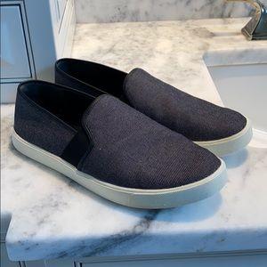 Vince slip-on sneaker black size 8 loafer